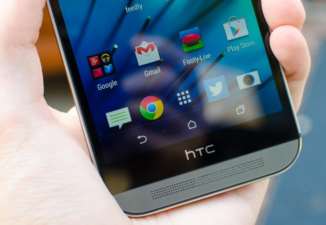The HTC One (M8) has a Super LCD 3 display.