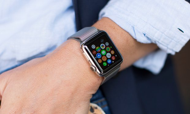 5 Benefits of Smartwatches Uses  for Your Business 2